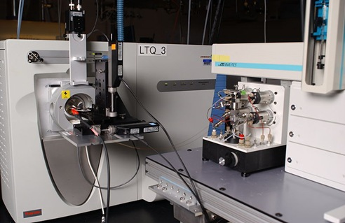 Liquid chromatography-mass spectrometry machine